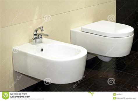 Bidet Z Klapą by Bidet And Toilet Stock Image Image Of Ceramics