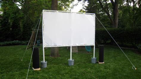this diy projector screen is for backyard - Diy Backyard Projector Screen