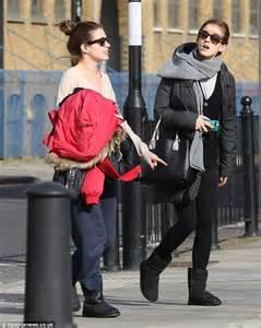 emma watson house london emma et son amie amy aujourd hui 224 londres 7 mars