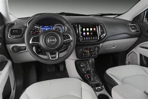 jeep compass limited interior jeep compass 2018 fotos pre 231 os e detalhes das vers 245 es