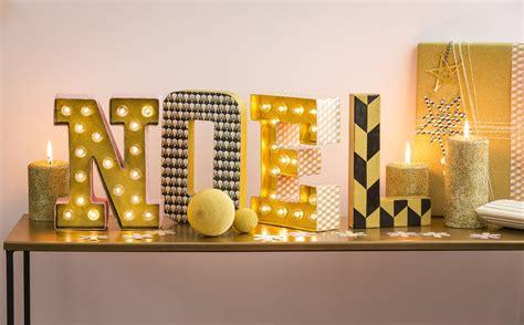 materie lettere moderne lettres lumineuses noel cultura