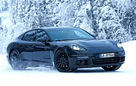 panamera porsche 2016 2016 porsche panamera spied playing in the snow