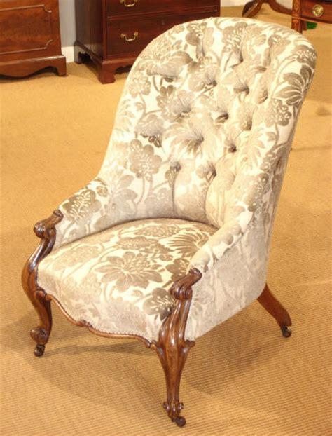 Antique rosewood button back armchair : Antique Armchair