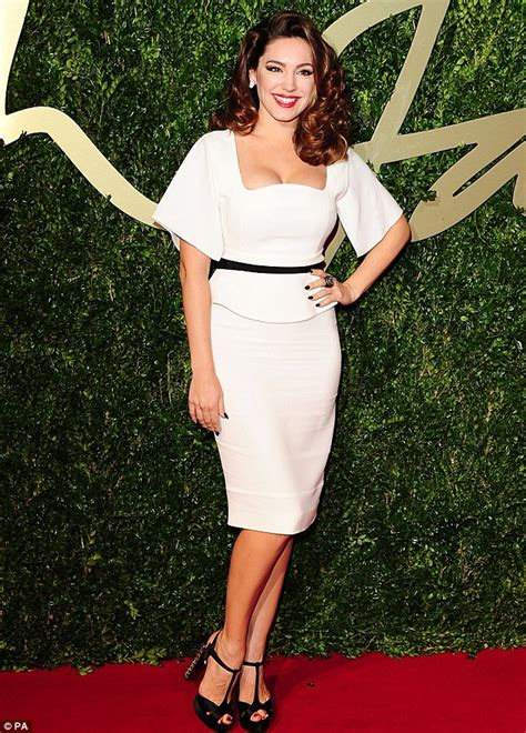how should a 34 year old dress 2013 british fashion awards kelly brook sticks to what