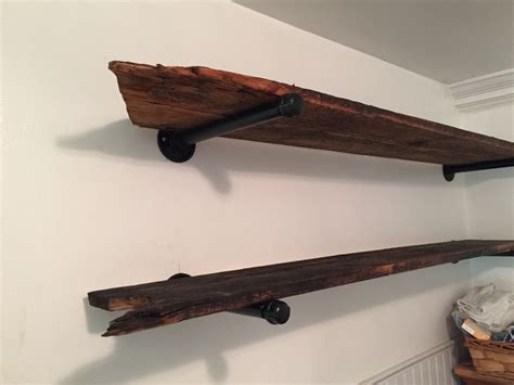Regale Aus Altem Holz by Bathroom Shelves Made From Barn Wood And Galvanized Pipe