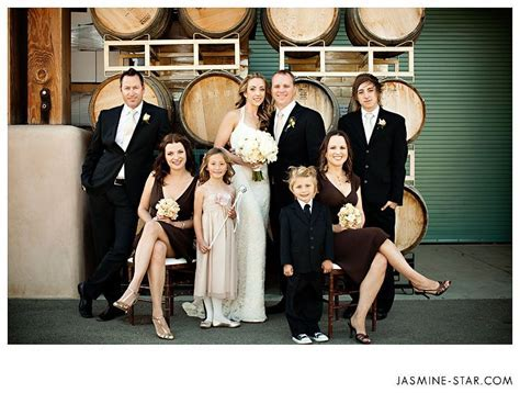Best 25  Wedding group poses ideas on Pinterest   Bridal