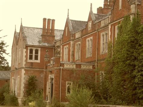 Exploring Abandoned Manor House In Uk Youtube