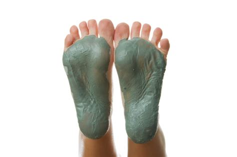 Detox Foot Mask by Diy Mud Baths For Ultimate Detoxification And Healing