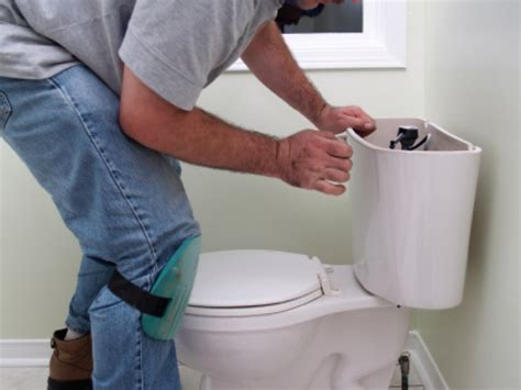 how to fix a leaking toilet buildipedia