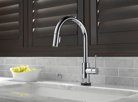 delta faucet 9159t trinsic single handle pull down sprayer kitchen faucet featuring touch2o delta 9159t dst trinsic single handle pull down kitchen
