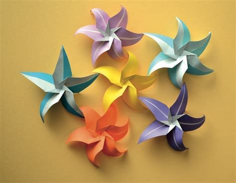 Paper Folded Flowers - flowers origami tutorials and flowers