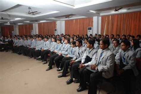 Mba Lecturer In Abroad by Mba Colleges In Delhi Top Colleges In India
