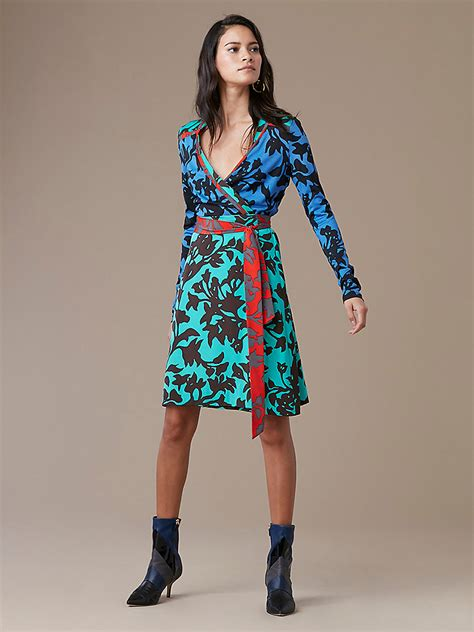 How To Make A Dress Out Of Wrapping Paper - dvf designer wrap dress wrap around dress collection dvf
