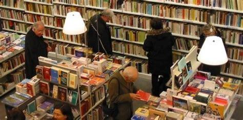 libreria militare roma vuoi scegliere tu i libri in biblioteca a napoli si pu 242