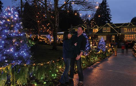 butchart gardens lights tour seattle to overnight with shopping