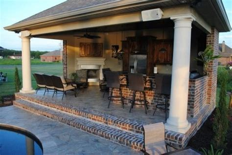 Backyard Designs With Pool And Outdoor Kitchen by Backyard Paradise Outdoor Kitchens And Southern Style On