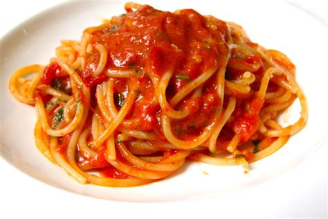 alimenti fanno bene al cuore alimenti gli spaghetti al pomodoro fanno bene al cuore