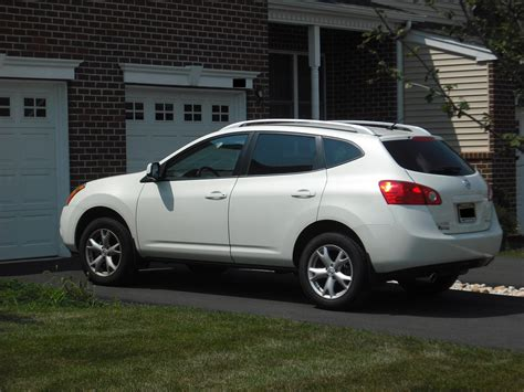 nissan white rogue 2009 nissan rogue s awd nissan colors