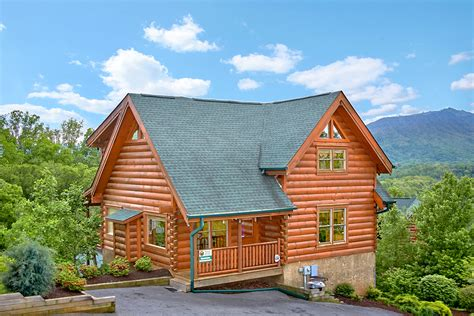 Log Cabin Homes In Tennessee by Log Homes And Cabins For Sale In Pigeon Forge Tn