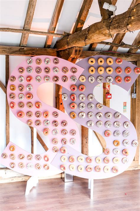 Doughnut Walls To Wow Your Guests   CHWV
