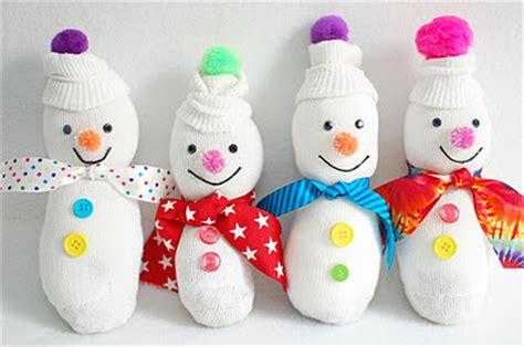 Kaos Pine Tree winter baby shower ideas with free printable