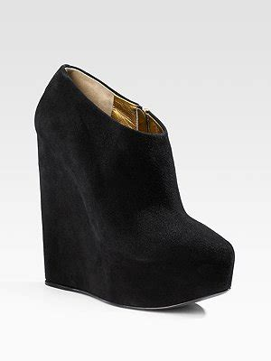 Wedges Ad 24 black wedge ankle boots on the hunt