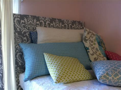 easy diy headboard the old post road easy dorm room headboard tutorial