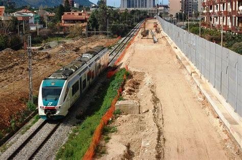 monti futura foto passante ferroviario si lavora alla futura