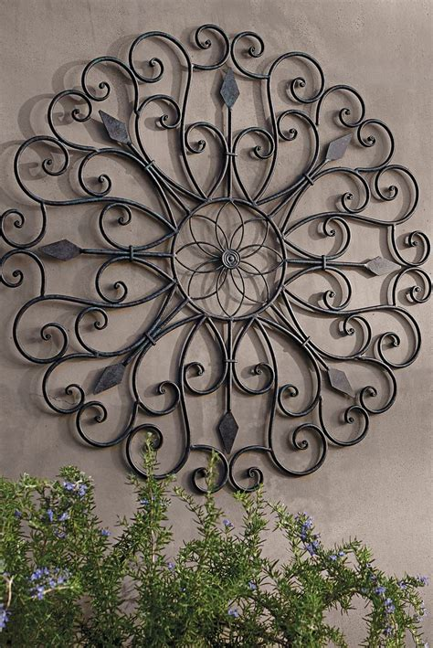 garden wall decoration 25 best ideas about outdoor wall on patio