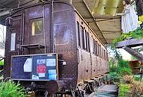 Carrozze Ferroviarie Dismesse - un convento in vecchi vagoni ferroviari i frati 171 200 stato