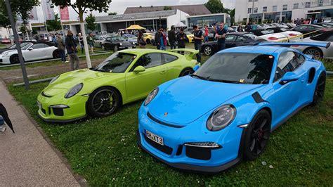 Porsche Racing Colours by Porsche Exclusive Color Battle 911 Gt3 Rs Vs 911 Gt3