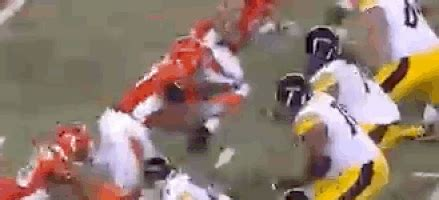 ben roethlisberger bench press geno atkins gifs find share on giphy