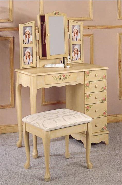 Vintage Make Up Vanity by 16 Gorgeous Vintage Make Up Vanity Design Ideas