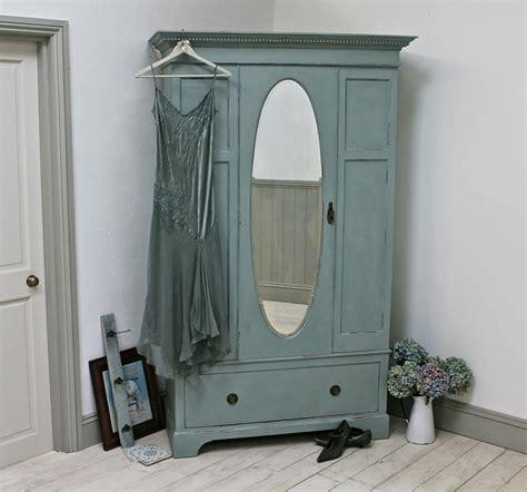 Armoire Vintage Chambre by Repeindre Un Meuble Armoire En Vert Pastel Rosbe