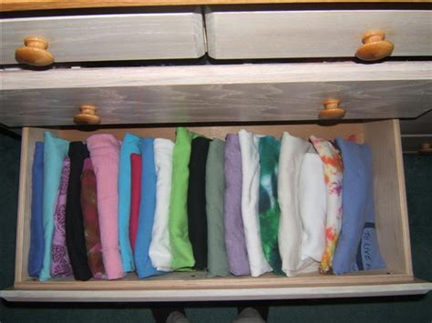 how to organize drawers simply