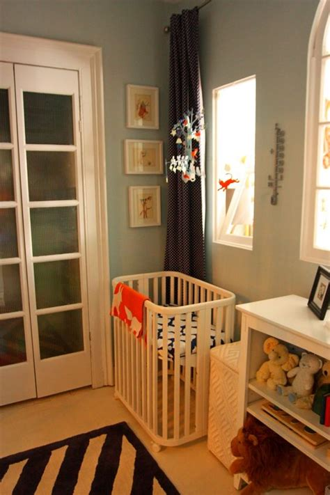 Mini Cribs For Small Spaces Compact Cibs For Small Spaces The Best Small Cribs For The Babies Pinterest The Babys