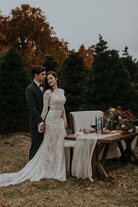 modern vintage christmas tree farm wedding inspiration in