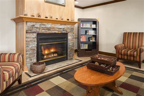 Fireplaces Grand Rapids Mi by Book Country Inn Suites By Carlson Grand Rapids Airport
