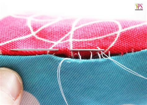 Blind Stitch Hem By Hand How To Sew A Pillow Closed By Hand With A Blind Ladder