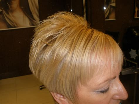 wedge haircut with stacked back short stacked wedge haircut best short hair styles