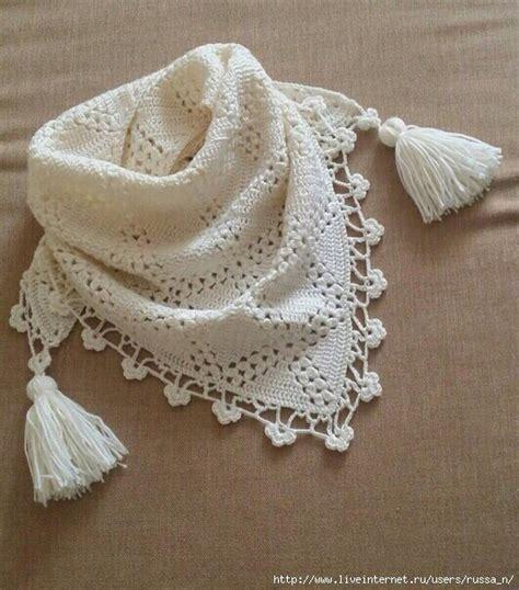 sciarpa con fiori all uncinetto baktus o sciarpa triangolare all uncinetto con schemi per