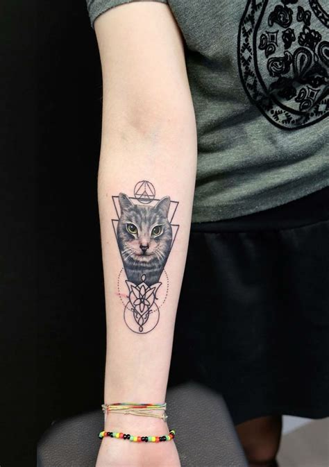 cat tattoo ideas best 25 geometric cat ideas on