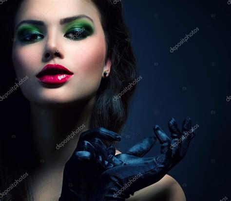 beauty fashion glamour girl vintage style model wearing