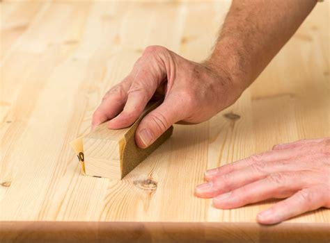 Holzplatte Lackieren Schleifen by Dielen Aufarbeiten 187 So Gehen Sie Schritt F 252 R Schritt Vor