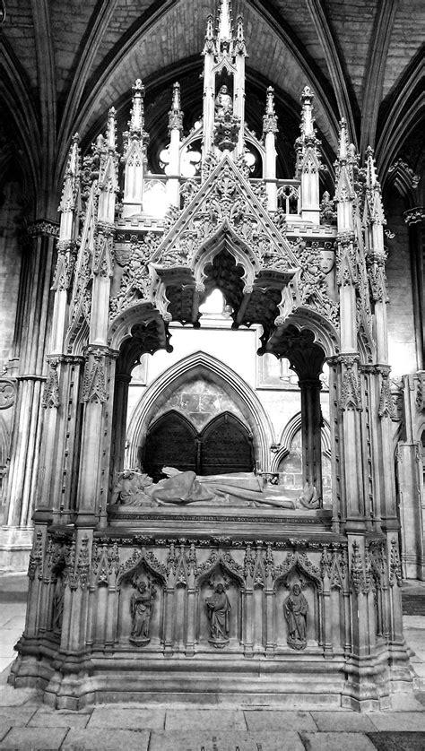 walks around lincoln a walk around lincoln cathedral brick dust glitter
