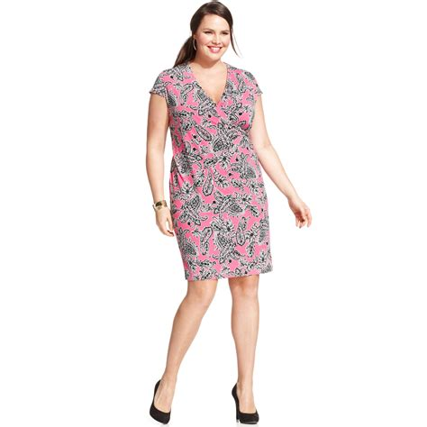 Topshop In New York Plus Size Store To Soon Follow by Jones New York Signature Plus Size Captsleeve Paisleyprint