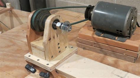 Home Made lathe pt 1 the headstock and base