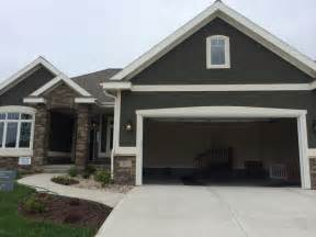 how to paint stucco exterior house 25 best ideas about stucco exterior on stucco