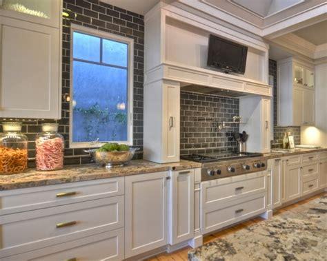 best 25 bungalow kitchen ideas on pinterest craftsman kitchen split best 25 craftsman style kitchens ideas on pinterest