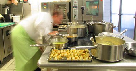 le chef cuisine le chef le bistrot 224 hu 238 tres restaurant de la mer